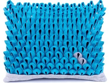 Design díszpárna - PIKKELYES kollekció - türkiz kék-szürke